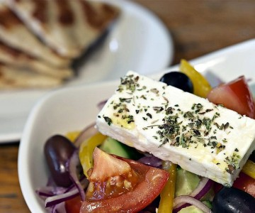 Taste-the-famous-Greek-salad